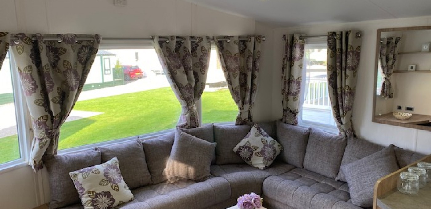 2014 Willerby Rio Premier seating area