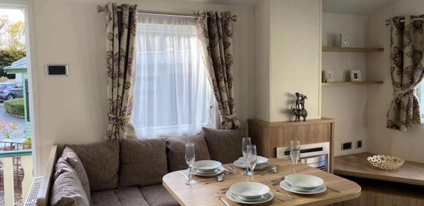 2014 Willerby Rio Premier dining area
