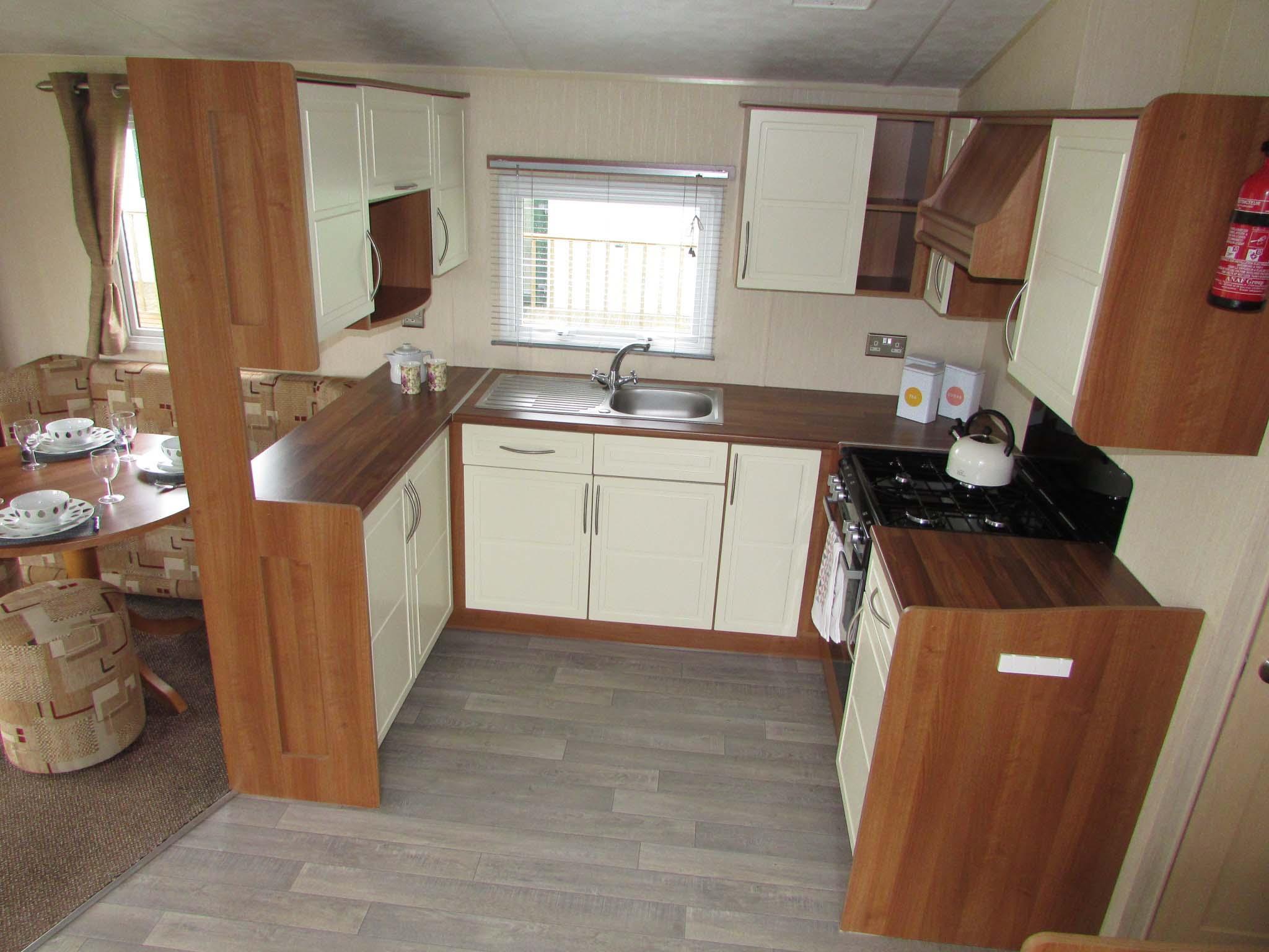 Willerby Rio Gold 2011 kitchen